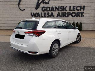 Rent a Toyota Auris STW | Car Rental Gdansk |  - zdjęcie nr 3